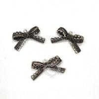 Laço Rendado em Metal - 3 unid - Prata V..